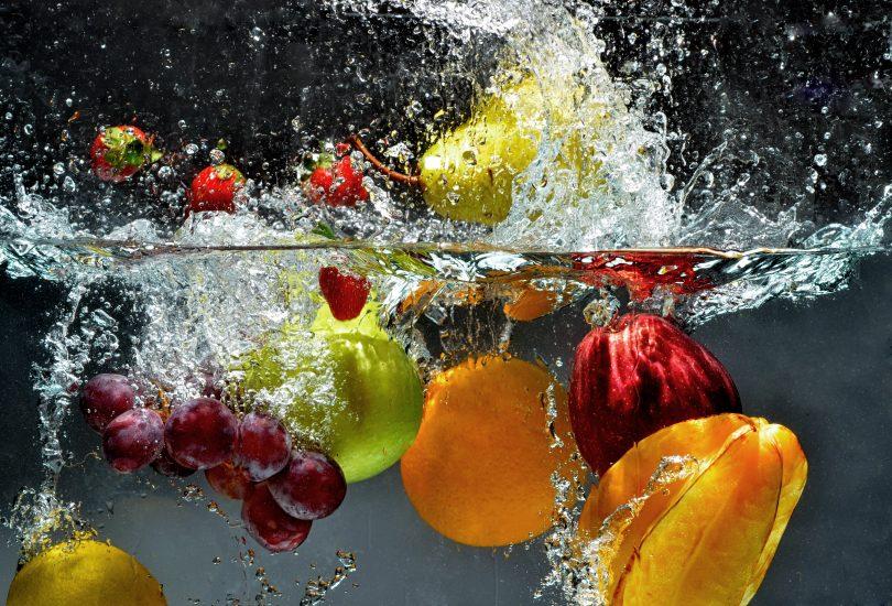 lavar os alimentos