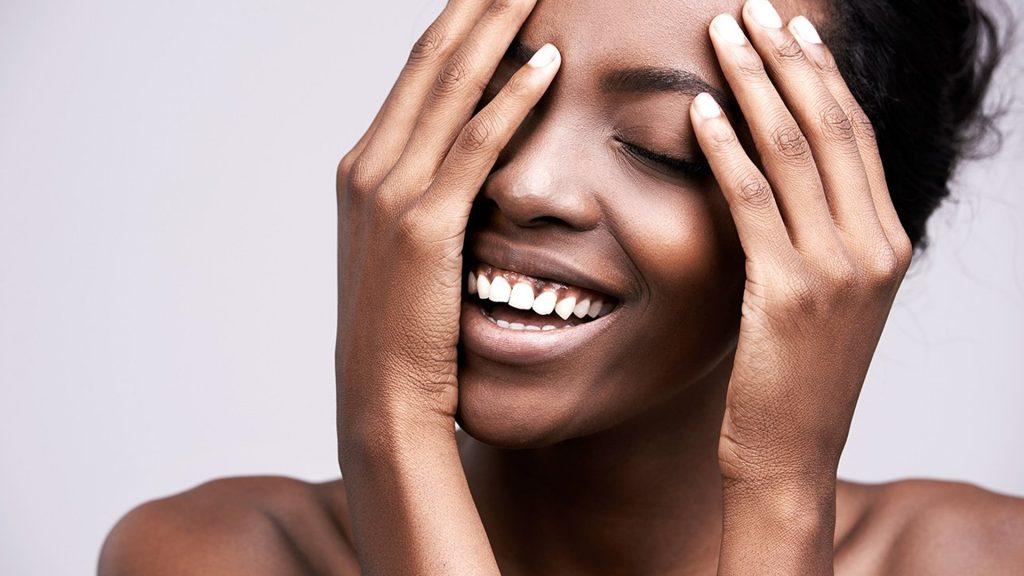 Benefícios beber água na pele