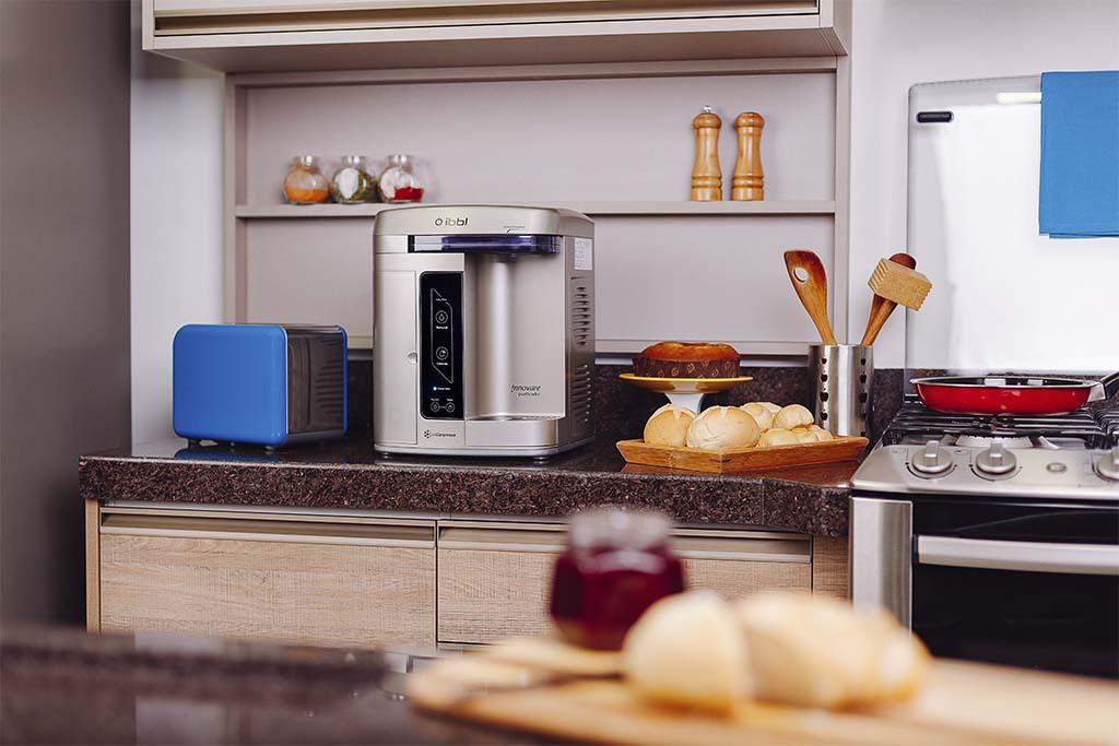 purificador de água na cozinha