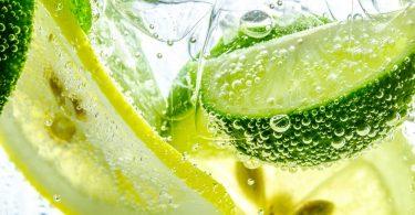 beneficios da agua com limão